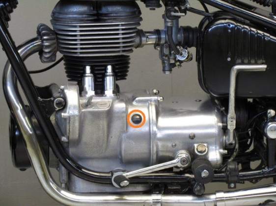 BMW-1957-R26-HdR-4 circled plug
